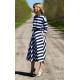 ADELA - Midi Ausgestelltes Kleid gestrickt - weiße und marineblaue Streifen