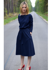 ROSE - dzianinowa sukienka z paskiem - granatowa