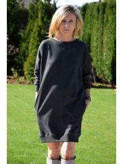 VESTI - Sweatshirtkleid mit einem dekorativen Gürtel