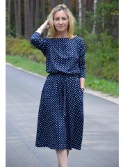 ROSE - dzianinowa sukienka z paskiem - granatowa w groszki